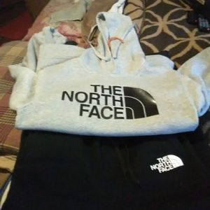 Woman's North Face Sweat Suit